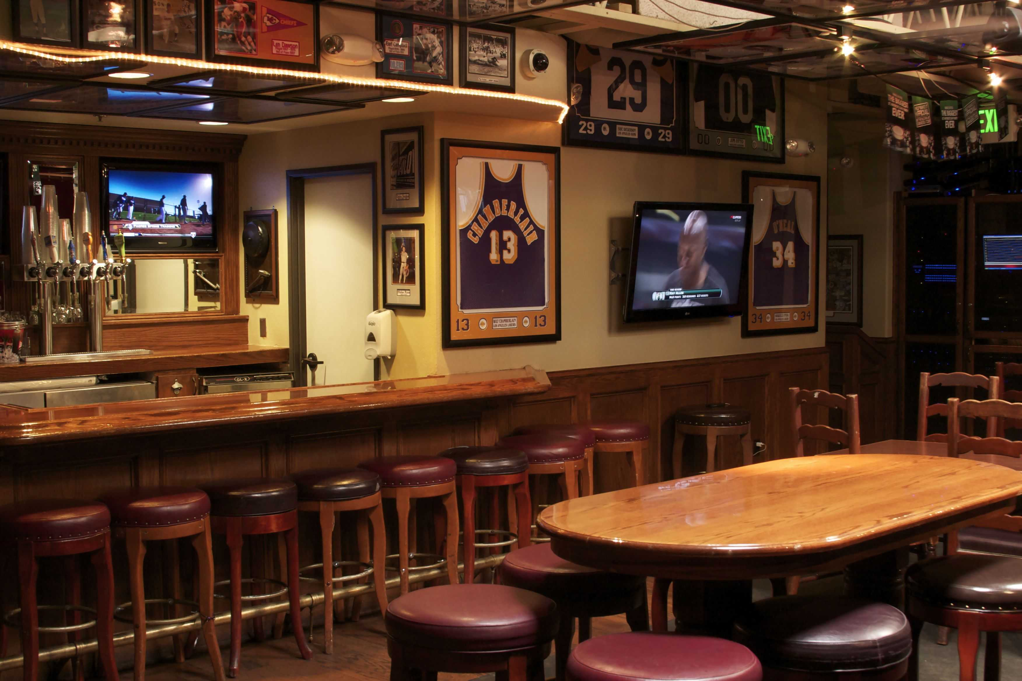 Skybox at legends sports bar legends sports bar long beach - Bar room pictures ...