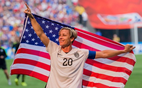 Abby-Wambach-Visits-Legends-sports-bar