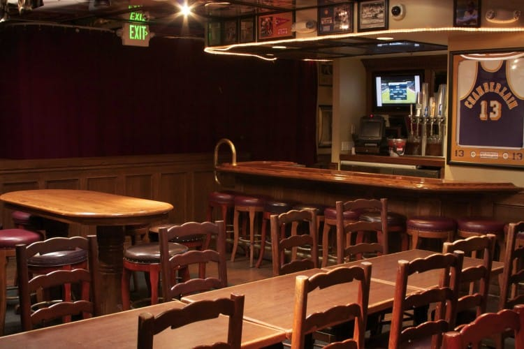 Legends-Sports-Bar-Private-Party-Room-3